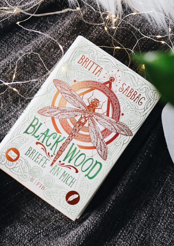 Rezension | Blackwood: Briefe an mich – Britta Sabbag